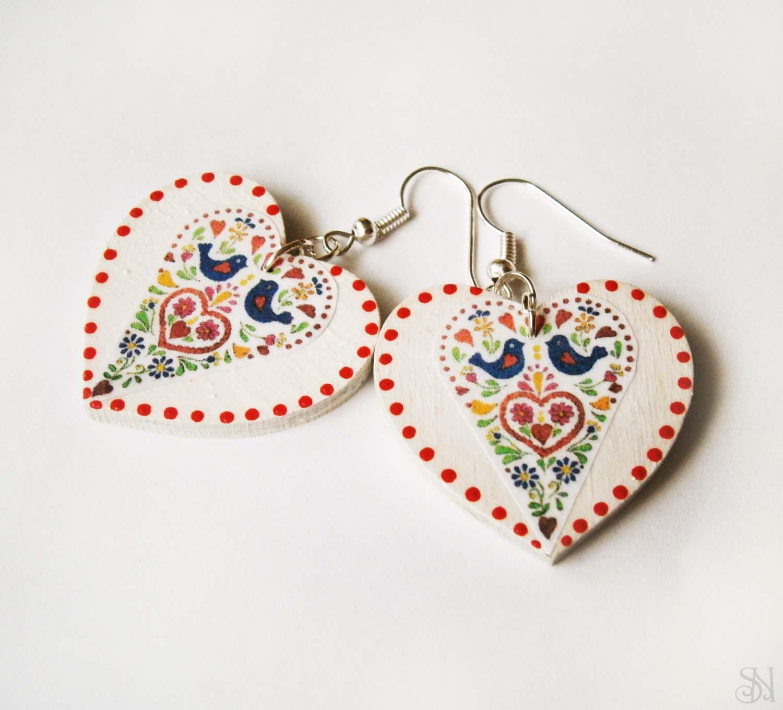 Farebné folklórne srdcové náušnice s bodkami 926cd8076d3